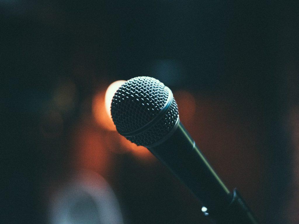 Vorbitul în public mindfully speaking